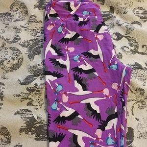 N w o t lularoe stork leggings purple background